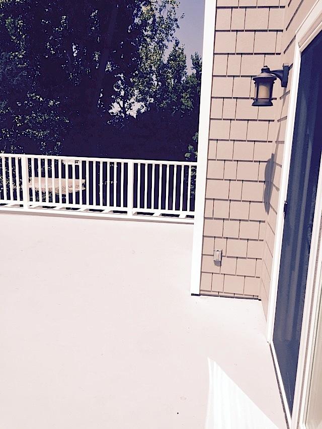 Deck Balcony 2